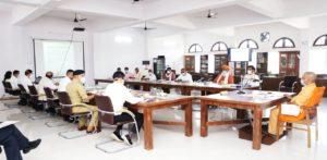 CM Yogi reviews COVID-19 situation