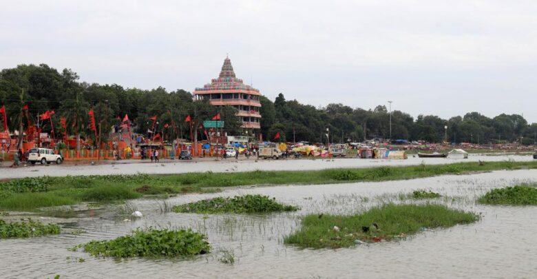 Ganga rising Yamuna remains silent