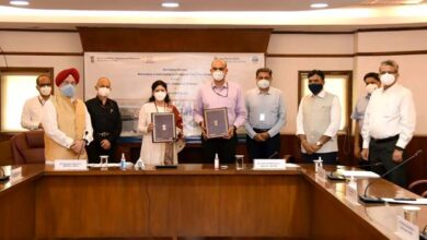 Shipping Ministry and Civil Aviation Ministry signs MoU for development of Sea Plane Services in India today